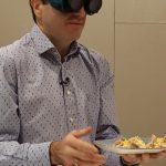 Oscar Velasco con gafas Baja Visión
